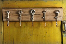 Distressed Wood Wall Coat Rack 24x7in