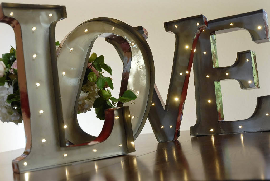 Marquee led light metal love sign industrial letters battery