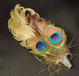 Peacock Feather Boutonniere 3in