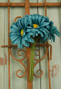 Gerbera Daisy Bouquet - Turquoise 9.5in
