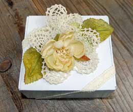 Darice Pineapple Crochet Doilies - Ecru 4in (pack of 12)