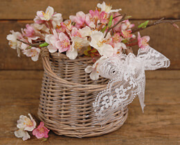 Tapered Willow Basket with Vase 5in