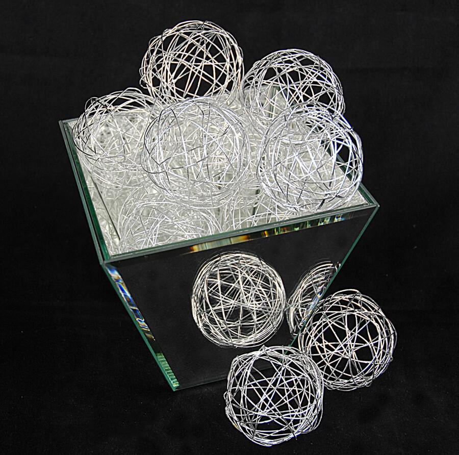 Silver wire decorative balls in set of