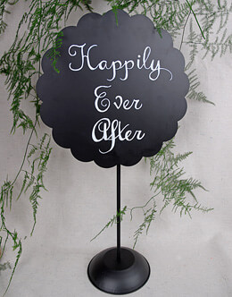 Scalloped Metal Chalkboard with Stand Round