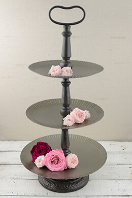3-Tier Metal Tray Ruffled 25in