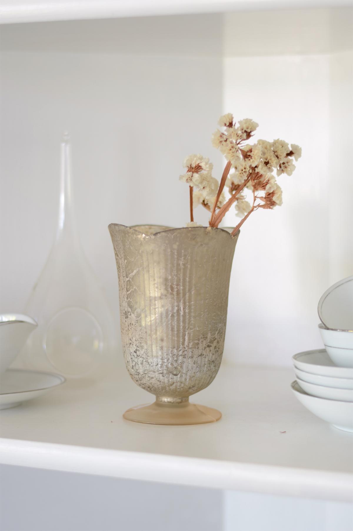 Antique Gold Neeta Vase 6in