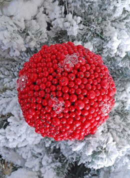 Red Berry Ball Iced 7in