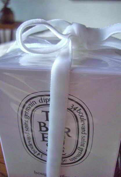 """Ivory Italian Velvet Ribbon DF 3/8"""" x11.5 feet"""