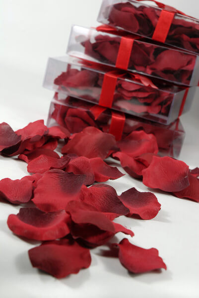 Red Silk Rose Petals  (60 petals/box)