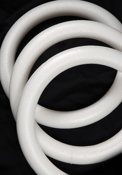 Styrofoam Wreaths Rings White Extruded 16 in