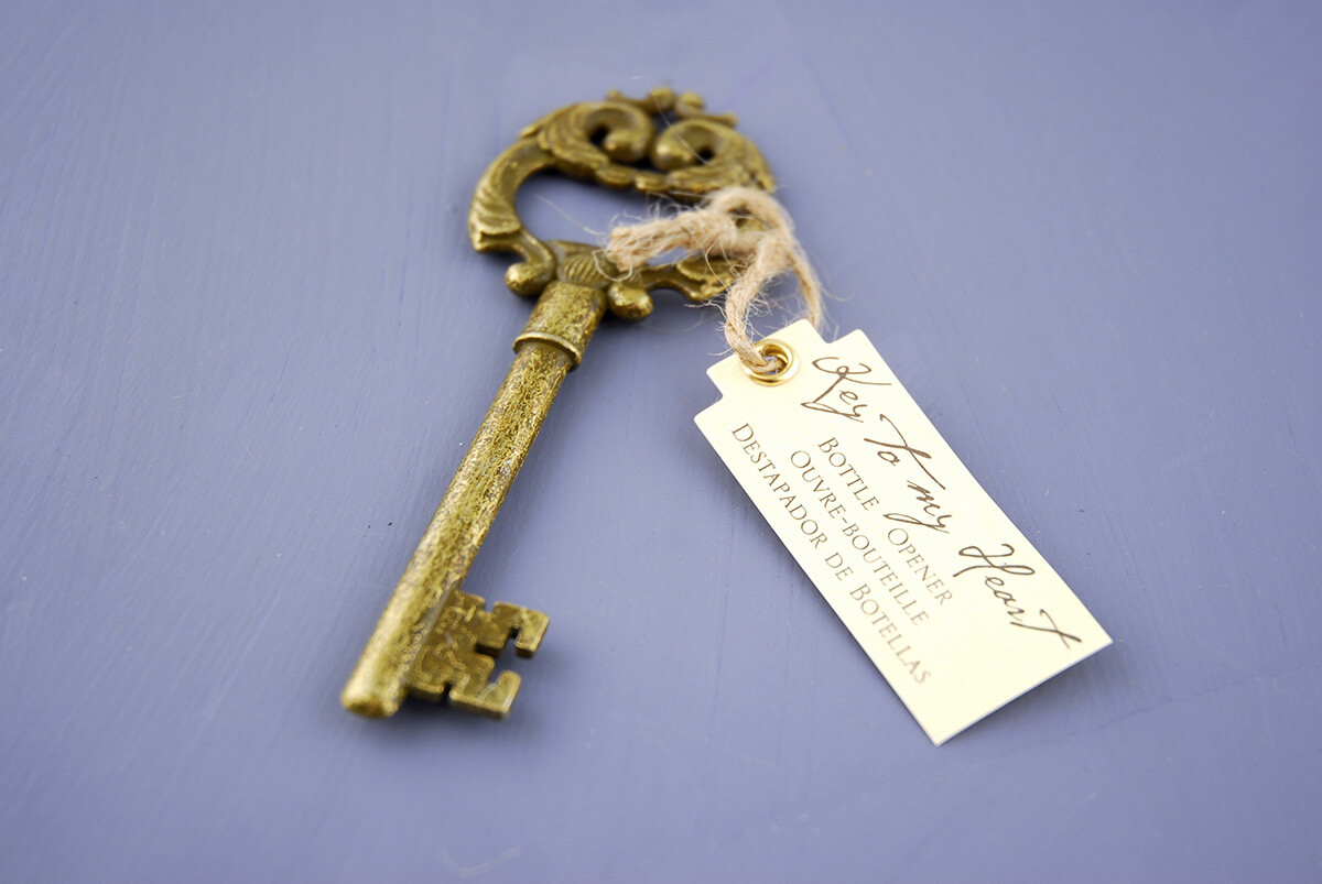 Key to my heart bottle opener antique key wedding favors for Bottle opener wedding favor