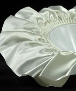 "Bouquet Collars Ivory Satin Large 10"" Size (6 holders)"