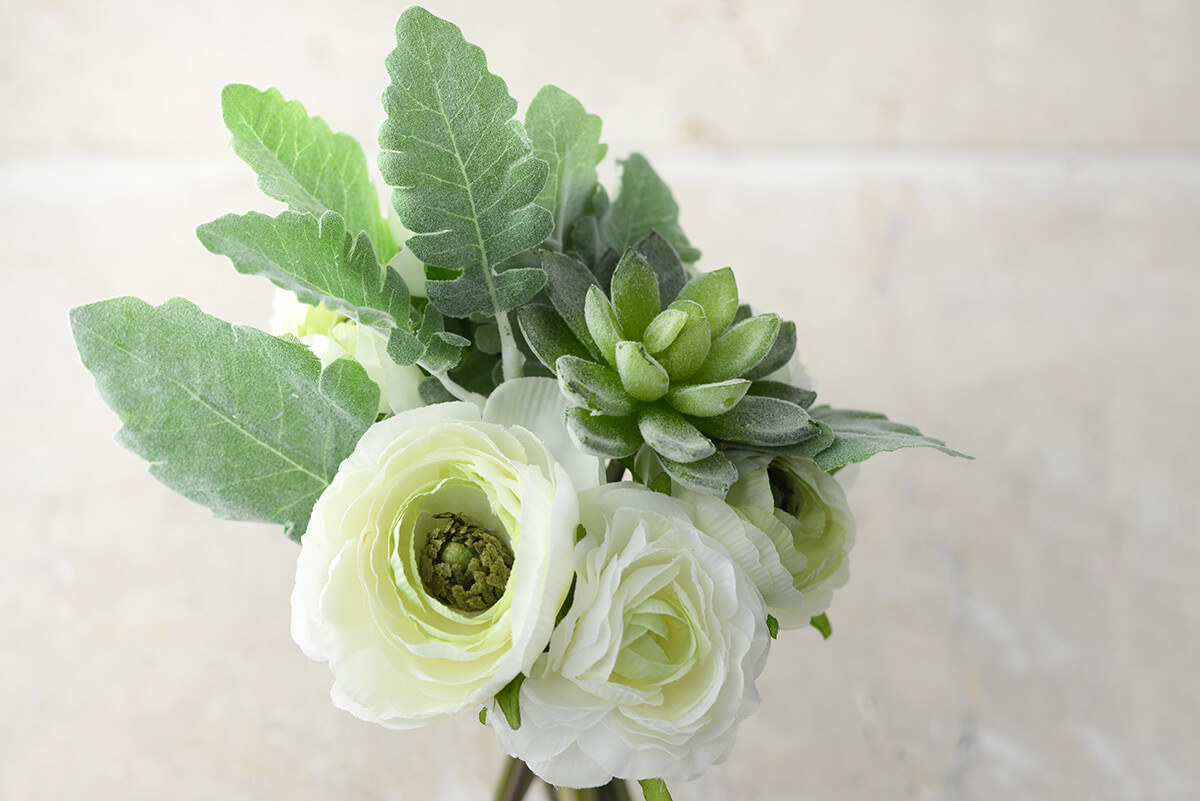 White Flowers Amp Succulent Bouquet