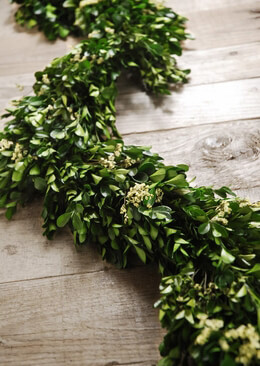 "45"" Preserved Boxwood Statice Garland"