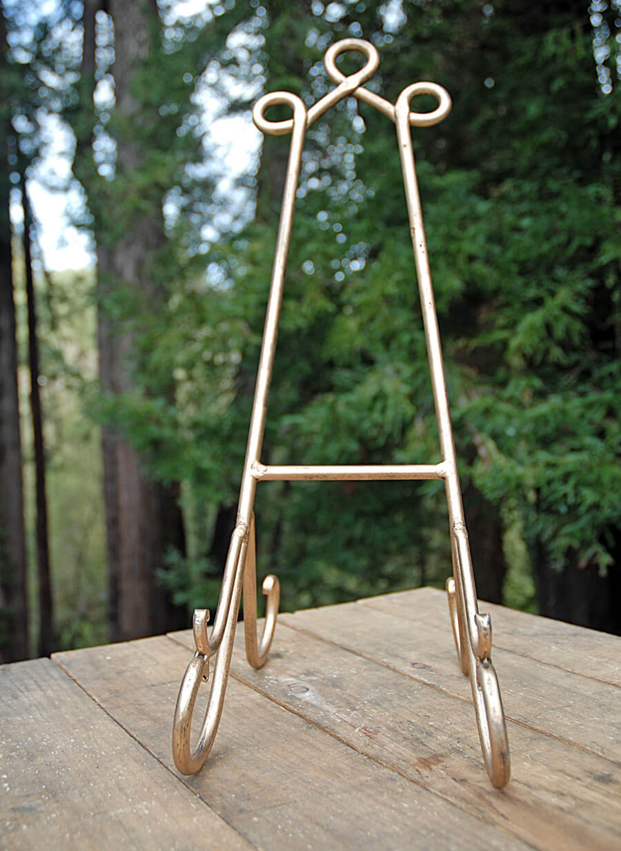 Bronzed Metal Easel 19in