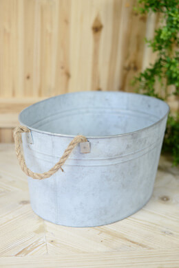 "Galvanized Oval Tub 19.5"" Rope Handles"