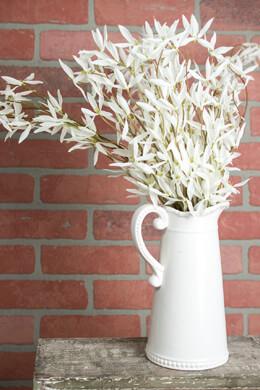 White Rain LIly Bush  28in