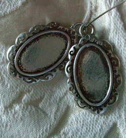 "Frame Charms-Oval-Antique Silver-26 x 36mm (2 pieces) 1"" c 1-1/2"""