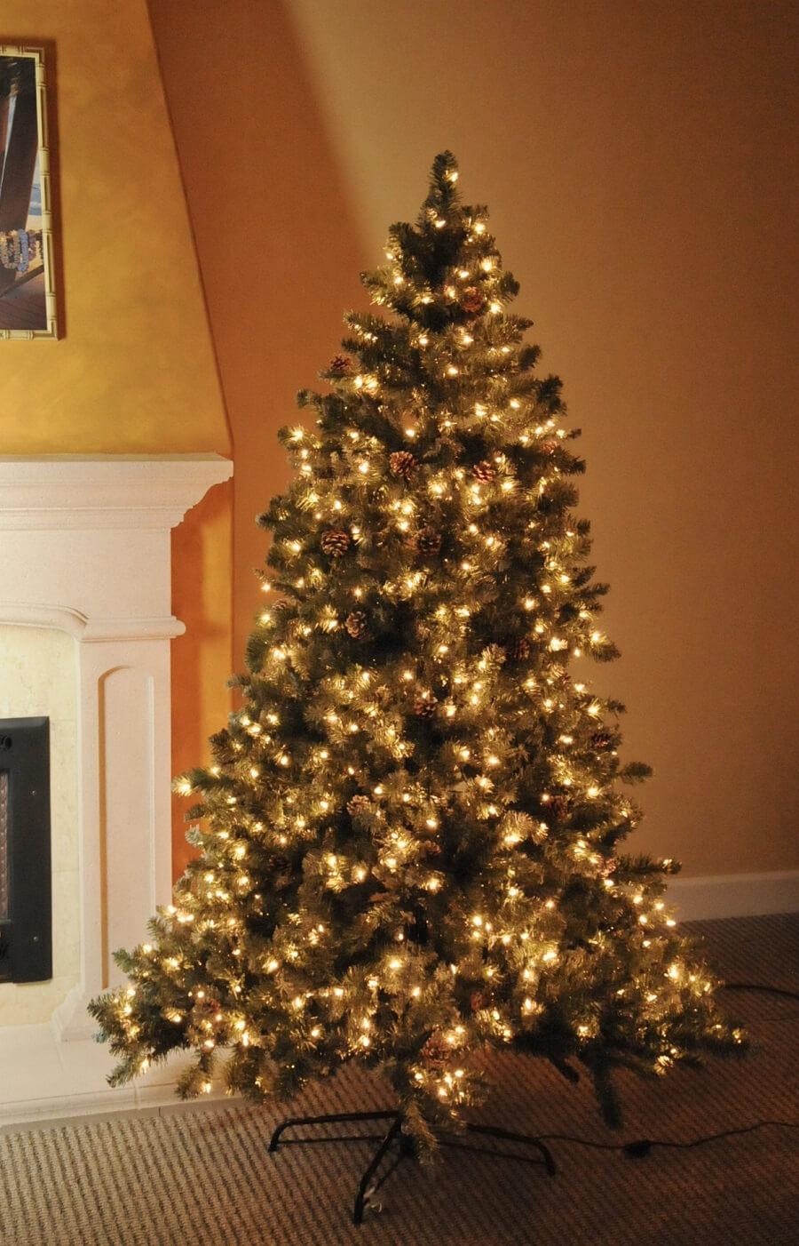 pre lit artificial christmas tree cascade pine 7 5. Black Bedroom Furniture Sets. Home Design Ideas
