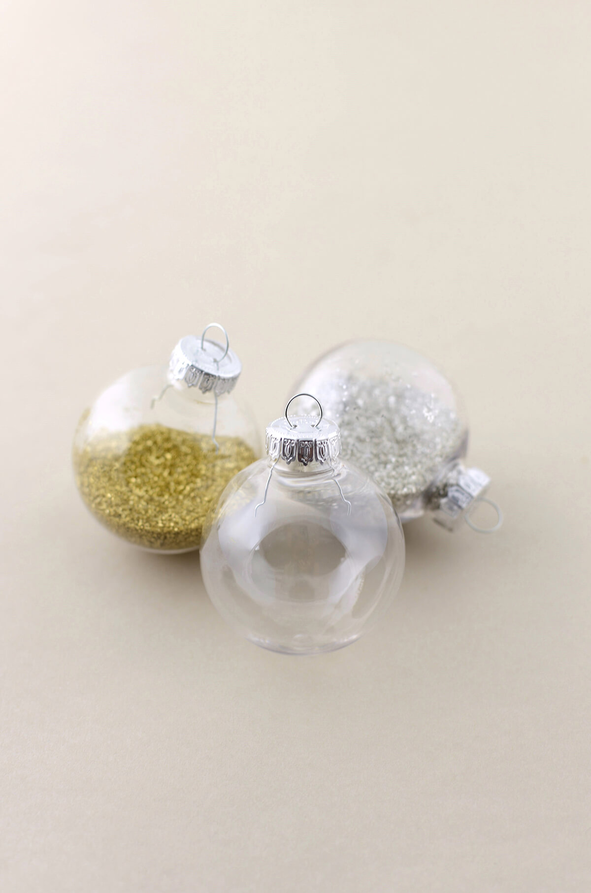 Clear plastic christmas ornament - Plastic Clear Ornaments For Crafts Clear Plastic Ornament Balls 2 3 8in Pack Of 90