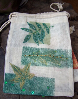 "Cotton Muslin Favor Bags Drawstring 7"" Leaf Design (12 bags)"