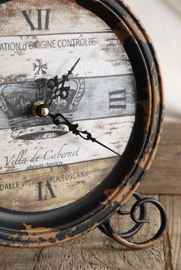 Crown Ville de Cabarnet Table Clock