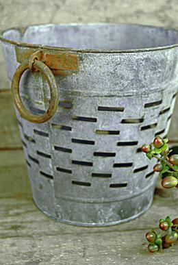 "Tuscan 9"" Olive Bucket"