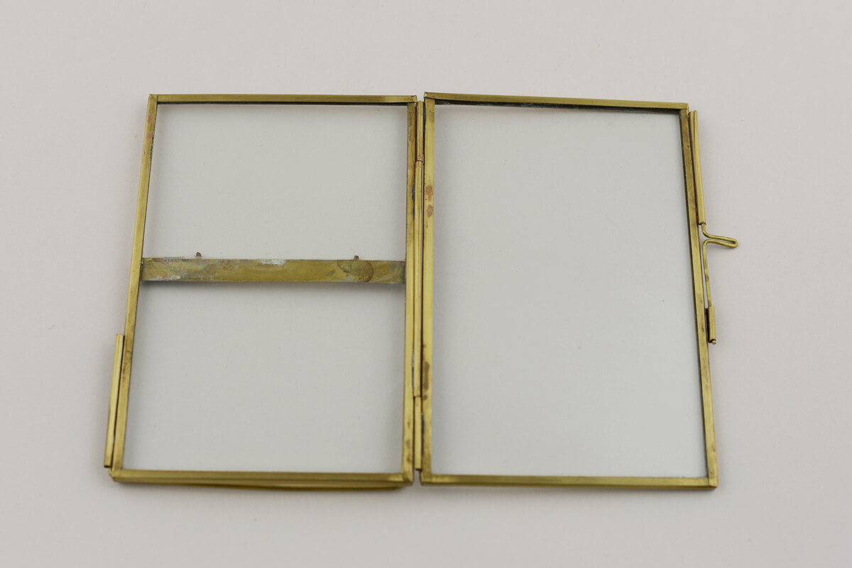 double glass brass glass picture frame 4x6in