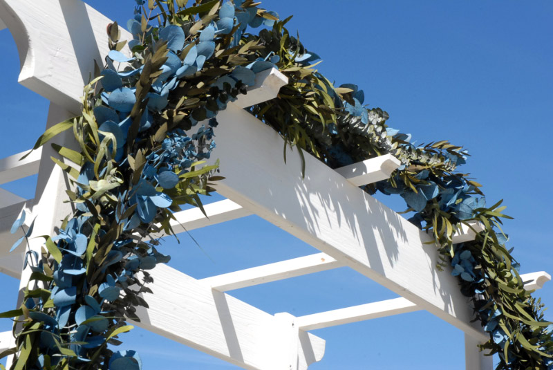 Preserved Handmade 8' Eucalyptus Blue and Green Garland