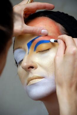 Face Paints, Makeup & Glitter
