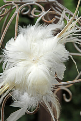 Flower Feather Goostrich Ivory