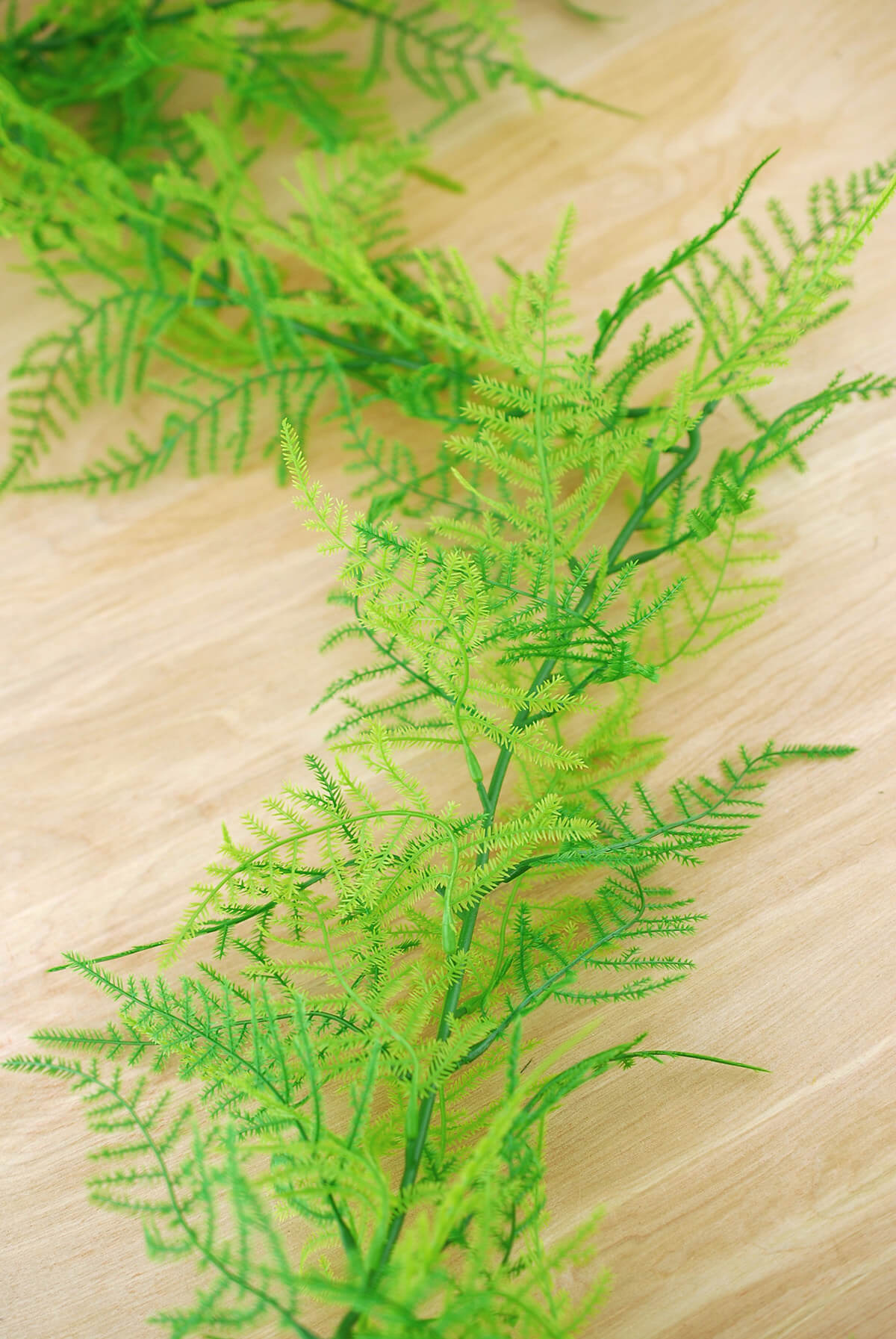 Bright Green Plastic Artificial Fern Garland 6ft