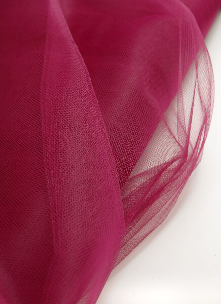 Tulle Sangria 40yds