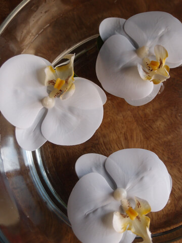 8 Floating Orchids White 3in