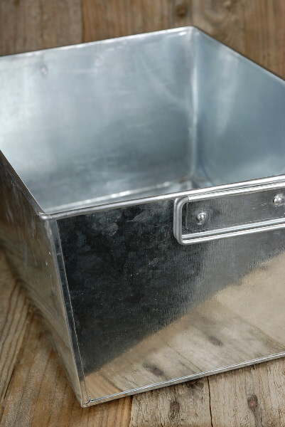 Galvanized 14 in. Rectangle Tub with Metal Handles