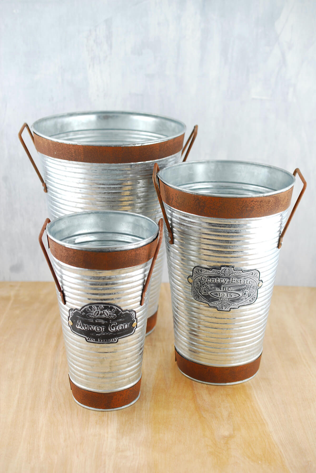 Galvanized metal bucket for Galvanized well bucket
