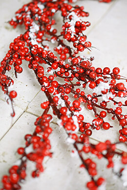 Deluxe Red Berry & Faux Snow Holiday Garland 6 Feet