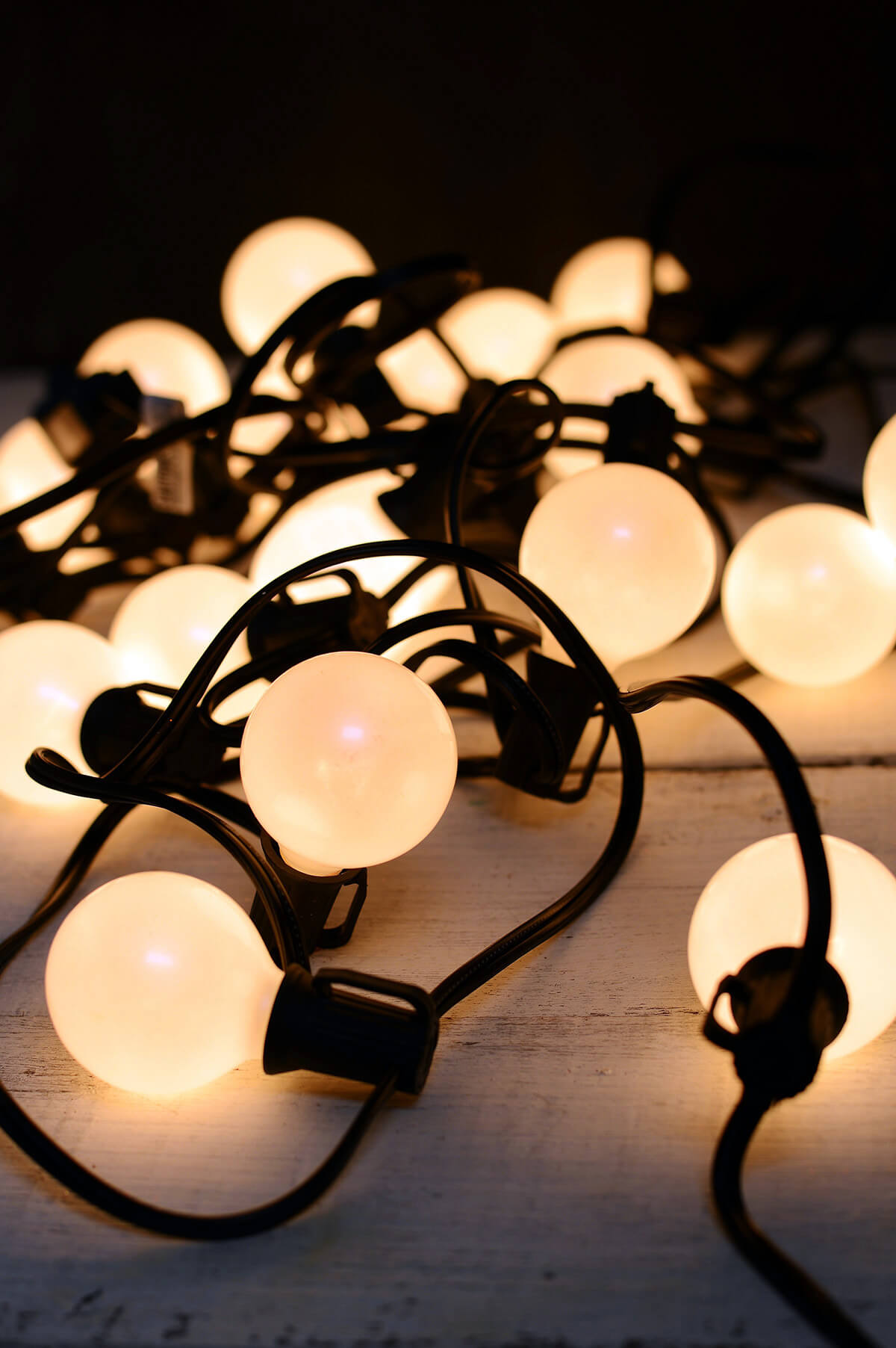 G40 String Lights Wedding : Pearl White Globe String Lights Set of 25 G40 Indoor Outdoor 24 Feet