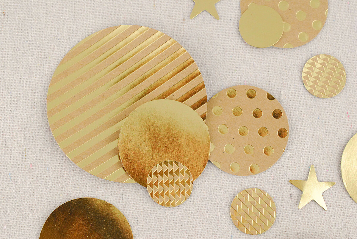 Kraft Style Confetti, 100 Pre-cut Circles and Stars, Gold (100 pieces)