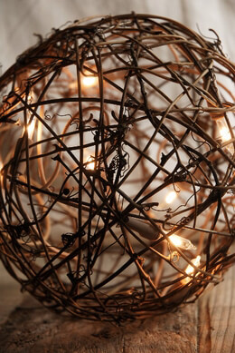 Grapevine Ball with String Lights 7in