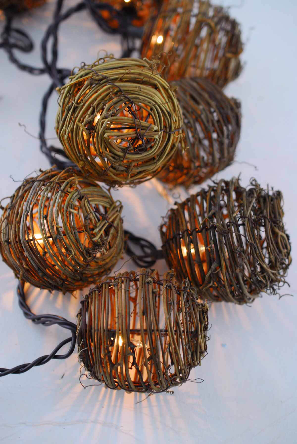 Grapevine String Lights 6ft - 10ct