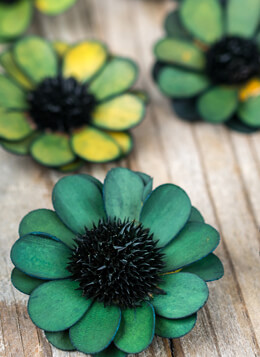 18 Handmade Green Palm & Thistle Daisy Flowers