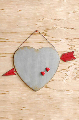 Heart & Arrow Magnet Board