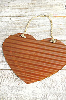 "Large 15"" Corugated Rusty Hearts"