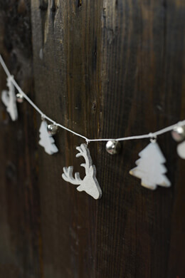 Wood Reindeer & Bells Garland 28in