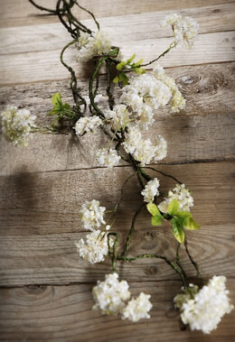 Hydrangea Garland White Silk 32in