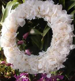 Hydrangea Wreath Cream White Preserved Flowers 8.5""