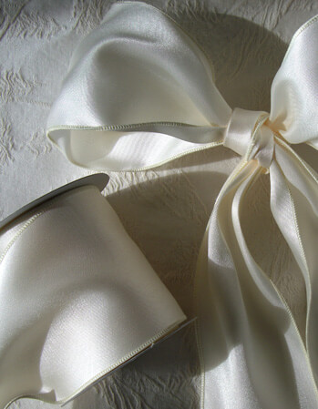 Satin Wired Ribbon Ivory 10yd