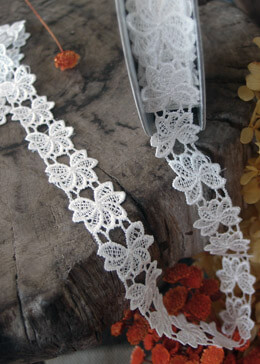 Lace Ribbon Floral White 1in 5yd