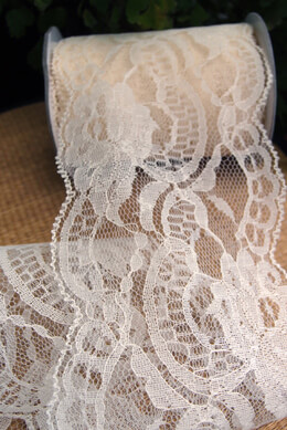 "Ivory Lace Ribbon 4"" wide x 10 yards"